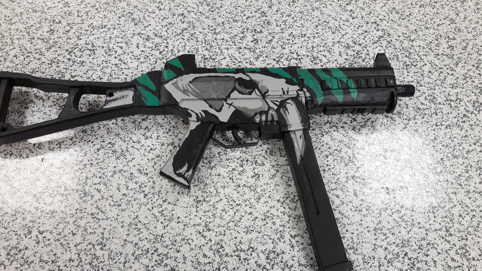 Обои UMP-45