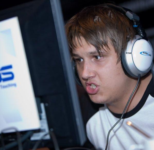 Даниил Тесленко уходит из киберспорта